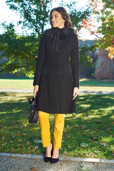 Palton LaDonna negru Best Impulse elegant brodat din lana captusit pe interior